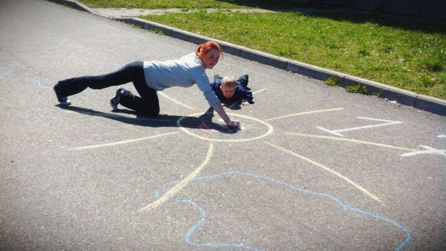 Школа сынишка я солнце☀ мелки рисуем  прогулка солнечный день Ленинградская область кипень семья💖 мы