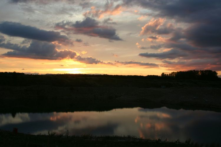 Sunset Reflection at Scorton Lakes Sunset_collection Beautiful Sunset Sunset Reflection Water_collection Water Reflections Beautiful Golden Hour
