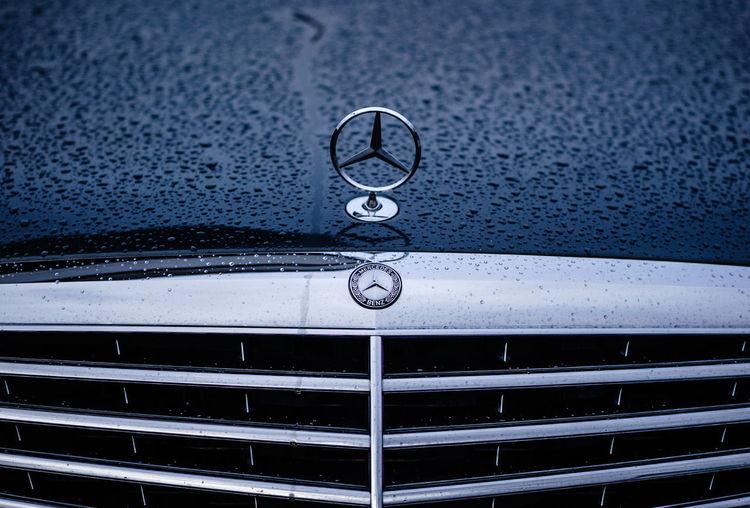 Wet Merc! SONY A7ii Nikkor 105mm F2.8 Mercedes Mercedes-Benz Water Clock Clock Face Drop Full Frame Backgrounds Close-up RainDrop Wet Rainfall Droplet