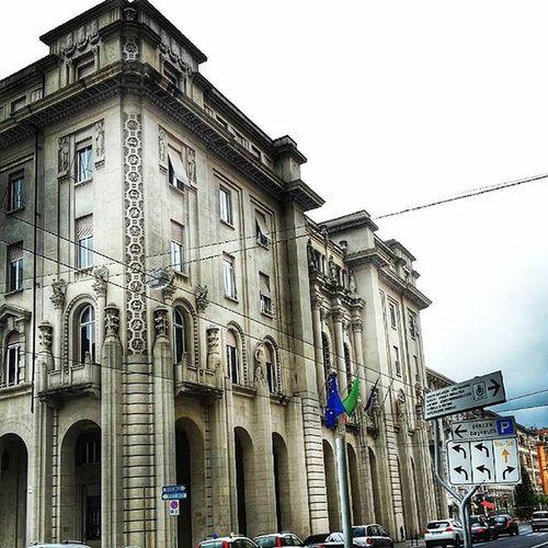 Il Palazzo del Governo, progettato da Franco Oliva, con i bassorilievi di Augusto Magli. Costruito nel 1923, è stato finora sede della Provincia LaSpeziaOnceADay AugustoMagli FrancoOliva
