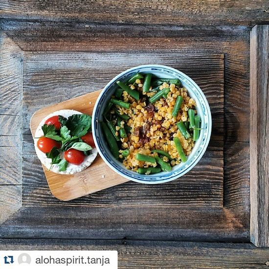 Repost @alohaspirit.tanja ・・・ simple things are the best! 1) rice cake + CoconutOil , tomatoes, basil & parsley 2) Ayurveda in the following order: Ghee or coconotoil, cardamom, cayenne pepper, raisins, cumin, fenugreek, Yellowlentils green beans enjoy =] Veggie Veg Hamburg Igershh Food Foodporn