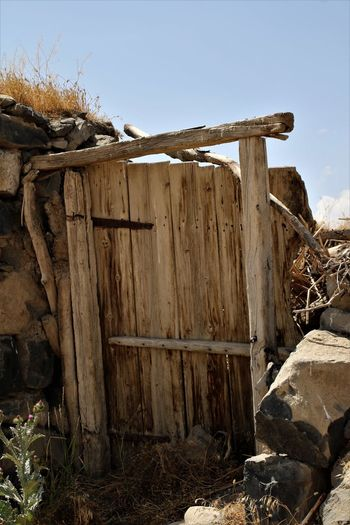 Turkey Dogubayazit Bad Condition Damaged Destruction Mountain No People Outdoors Rustic Wood - Material Wooden Post