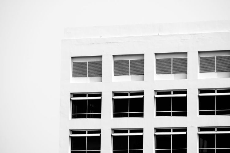 Window Building Exterior Built Structure Architecture Building No People Day Outdoors Full Frame Pattern Glass - Material White Color Low Angle View Residential District Side By Side In A Row City Wall - Building Feature Modern Backgrounds Window Frame