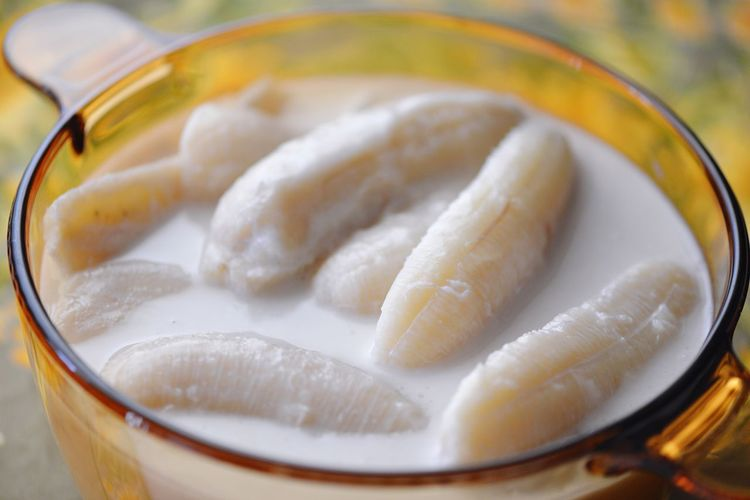 Banana in Coconut Milk Pudding Banana Thai Food Vegan Coconut Cream Cream Dessert Coconut Milk Coconut Banana Pudding Food And Drink Food Indoors  Freshness Close-up Wellbeing Healthy Eating Chinese Food Ready-to-eat Asian Food Glass Serving Size