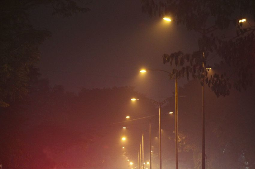 Light In The Darkness Street_lights Street Photography City Lights Yellow Lights And Smoke💛 Foggy Night Fog City