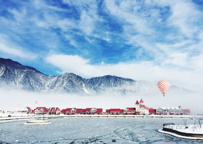 Snow Snowcapped Mountain Outdoors Sky Frozen Lake AirBalloon Picturesque IPhoneography Nature_collection Nature Nature Photography Nature Lover 西岭雪山