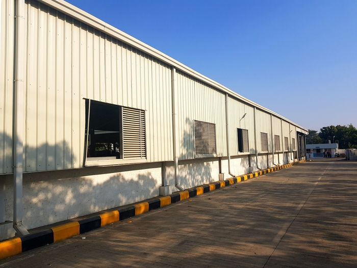 Pre engineered building construction and erection