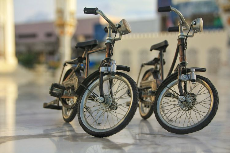 Aceh Transportation Mode Of Transportation Bicycle Stationary Focus On Foreground Land Vehicle No People Day Wheel City Parking Outdoors Street Architecture Travel Selective Focus Nature Absence Basket Tricycle