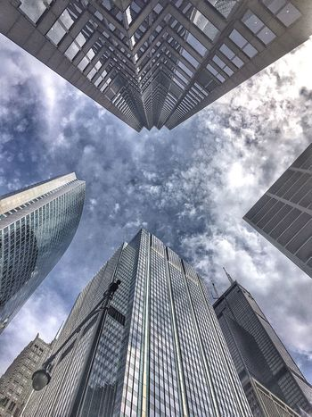 Endless Sky Perfect View Straight Up Look Up Clouds And Sky Cloud And Sky Cloudy Blue Sky Rain Soon Chicago Chicago Architecture Chicago Skyline Skyscrapers IPhone Amateurphotography EyeEm Gallery Eyeem Architecture Eyeemchicago Eyeemurban Picture Pictureoftheday The Architect - 2016 EyeEm Awards The Graphic City