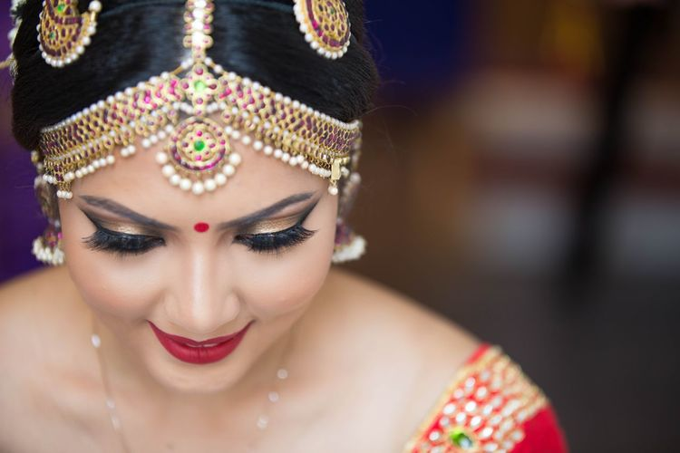 Focus Object traditional Beautiful People Portrait Beauty Make-up Looking At Camera Fashion Women Stage Make-up Close-up Glamour Human Face Females Eye Human Body Part Attitude Fashion Model Adult Young Adult One Woman Only Stage Costume Traveling Home For The Holidays