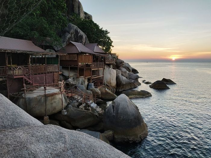 Koh Tao sunset. Thailand Sunset Horizon Over Water Seascape Sea Villa Resort Architecture Tropical Climate Tropical Island Bungalow On The Beach Bungalow Rocks Thai ASIA Amazing Thailand Koh Tao Thailand Kohtao Sunsetporn Southeastasia Southeast Asia Beauty In Nature Scenics - Nature Outdoors Scenics Water