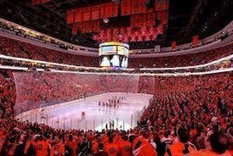 At Flyers game last night for big game 6 win TheVille Streamzoofamily PhiladelphiaFlyers  DefinatelyNotInTheFrontRow