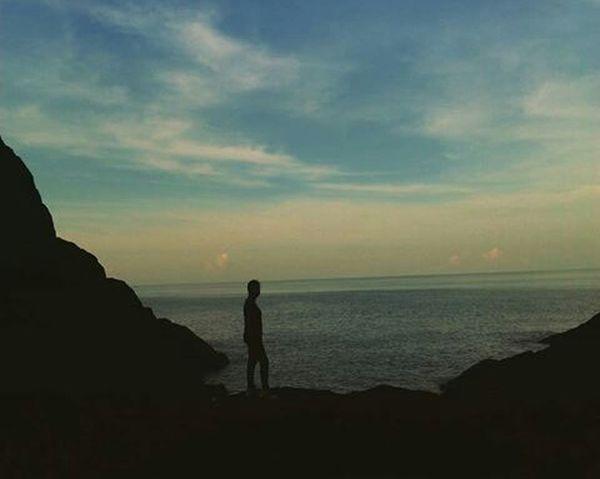 EyeEm Best Shots Darkness And Light Silhouettephotography Alone Time Enjoying Nature Selfie Portrait