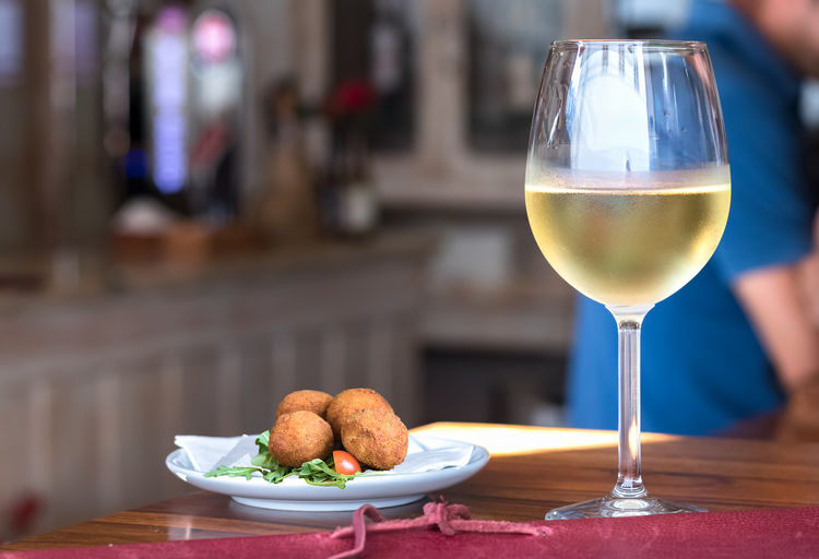 Cuisine Delicious Dish Drink Food Glass Gourmet Healthy Lunch Meal Meatballs Nutrition Plate Restaurant Snack Summer Table Tablecloth White Wine