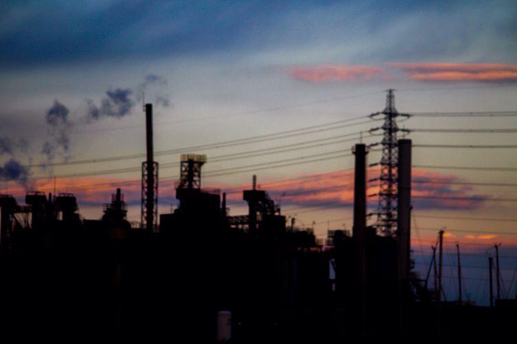 記憶 Sky_collection Silhouette Clouds And Sky Street Photography Dark On The Road Streetphotography Sky Factory Bokeh