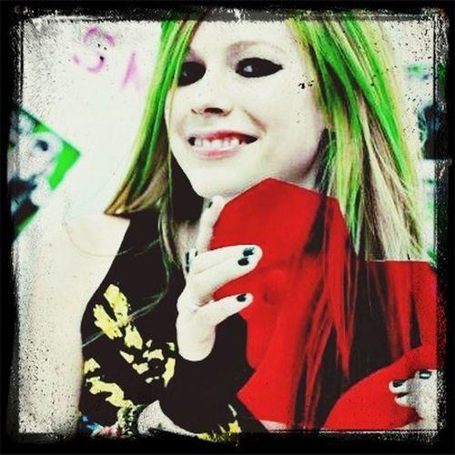 Avril Lavigne? Music Singer  AvrilLavigne
