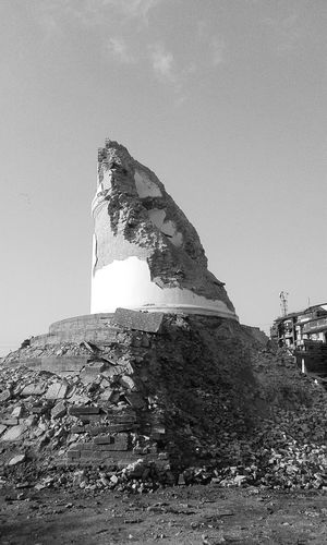 "This is the remaining part of 9 storey tower called ""Dharara"" of kathmandu after the earthquake. :( Nepal Earthquake Earthquake In Nepal Cityscapes Destroyed In Seconds Samsungphotography Picoftheday Check This Out Black And White Pray For Nepal Eyeemdaily"