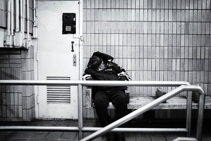 Black & White Blackandwhite EyeEm EyeemTeam Fuji Fujifilm Fujifilm_xseries FujiX100T New York New York City Newyork Noir Et Blanc Noiretblanc Sleeping Street Photography Streetphotography Subway Subway Station Subwayphotography X100t
