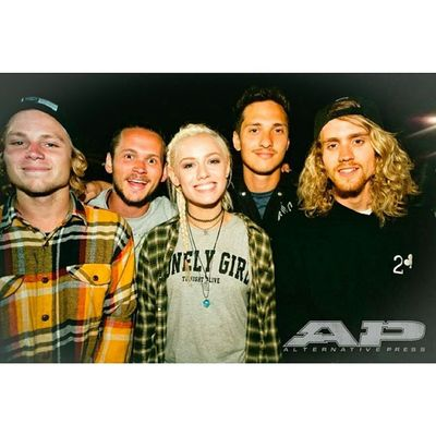 but tonight alive is pretty cool. they played a show in my town last week and I didn't go cause it sold out so (Tonightalive JennaMcDougall WhakaioTaahi JakeHardy CamAdler MattBest)