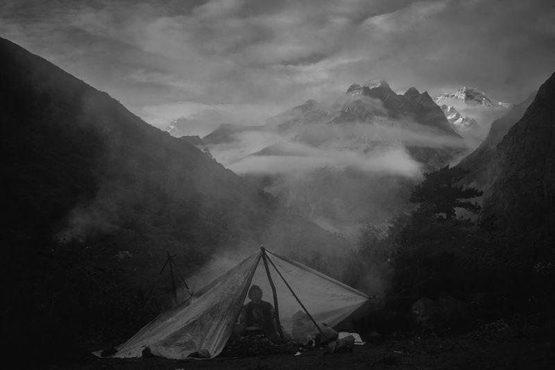 西藏珠峰牦牛工 Mountain Sky Cloud - Sky Scenics - Nature Nature Beauty In Nature Mountain Range
