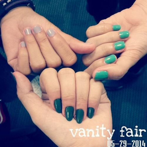 Vanity fair. Had our nails done for free. Thank you @paragonicc!!! 100happydays Vs100HappyDays Paragonfraud ProudtobeParagonICC