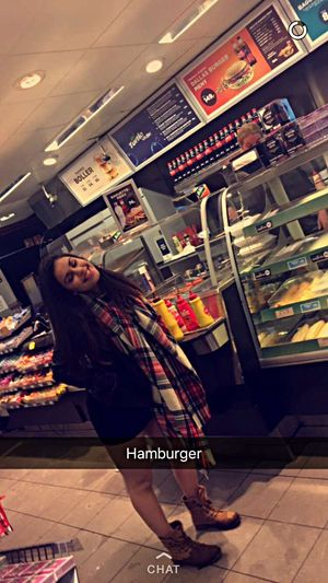 too busy having fun to take any pics last night, so here's a very drunk Tina waiting for a burger in the middle of the night. Last Night So Much Fun NeonParty Neon Glowsticks Party Nightout Friday Weekend Happy People Funtimes Good Times Drunk Friends Crazy Moments Crazy Party Winter January Girl Smiling