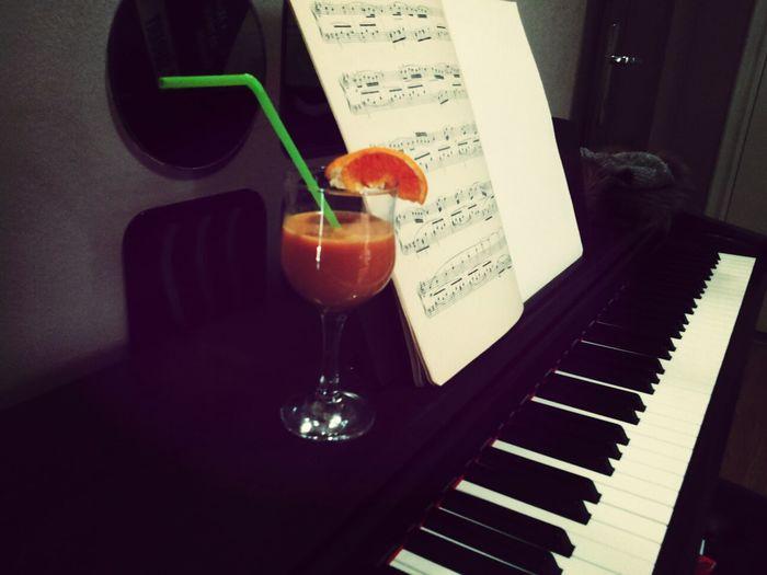 Relaxing Enjoying Life Juice Orange