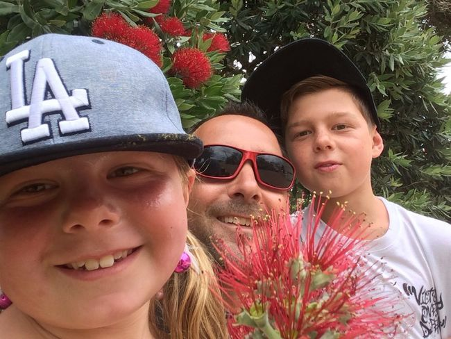 Wishing you all a Happy Christmas with loved ones😍 Thank you so much for your support this year it's much appreciated 😎 Have fun Family Portrait Pohutukawa Flower Sunshine Kids Being Kids Family Beautiful Day Red