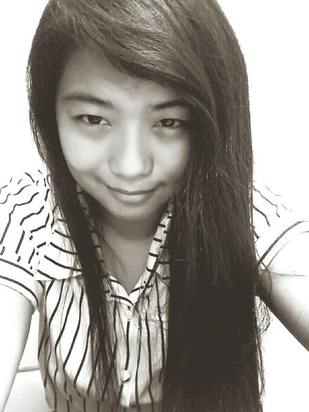 ..if only i can sell my eyebags. xP Stressedout Eyebags Black And White Smile Lifeisgood