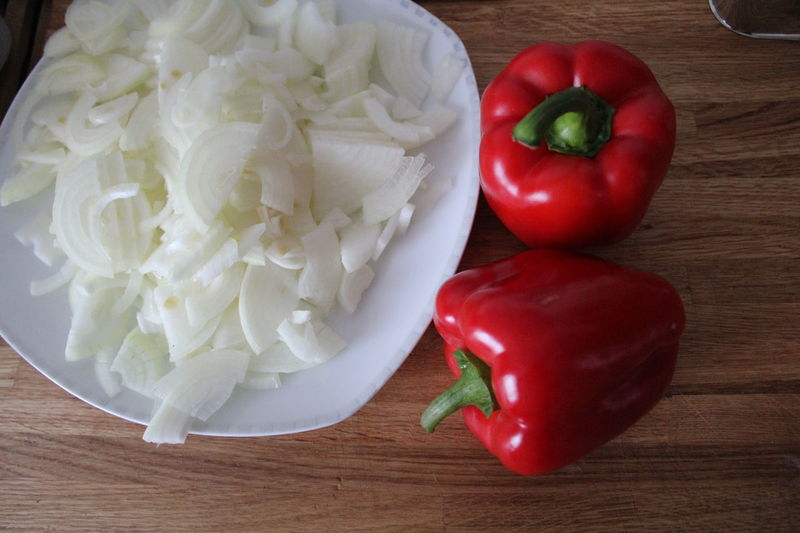 Close-up Cooking Cooking At Home Food Food And Drink Freshness Good Day Healthy Eating No Filter No People No Perfect Life Nofilter Onion Peppers Red Vegetable Wooden Desk Wooden Texture