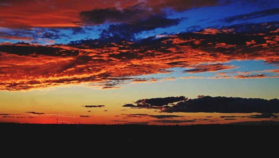今天傍晚的火烧云。 风光摄影