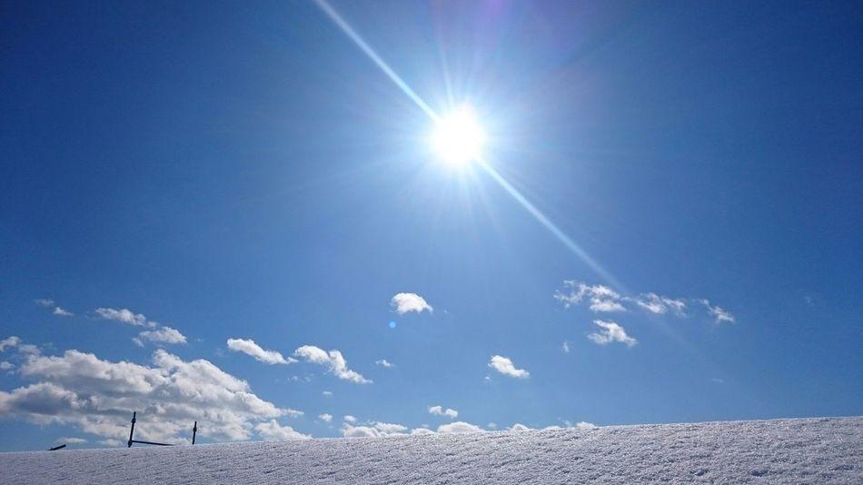 雪 雲 太陽光 空 足場
