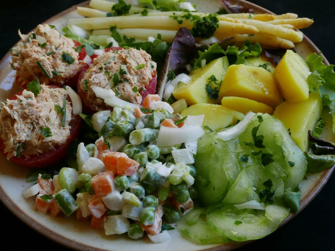 food, food and drink, healthy eating, freshness, salad, ready-to-eat, no people, serving size, plate, close-up, vegetable, indoors, day