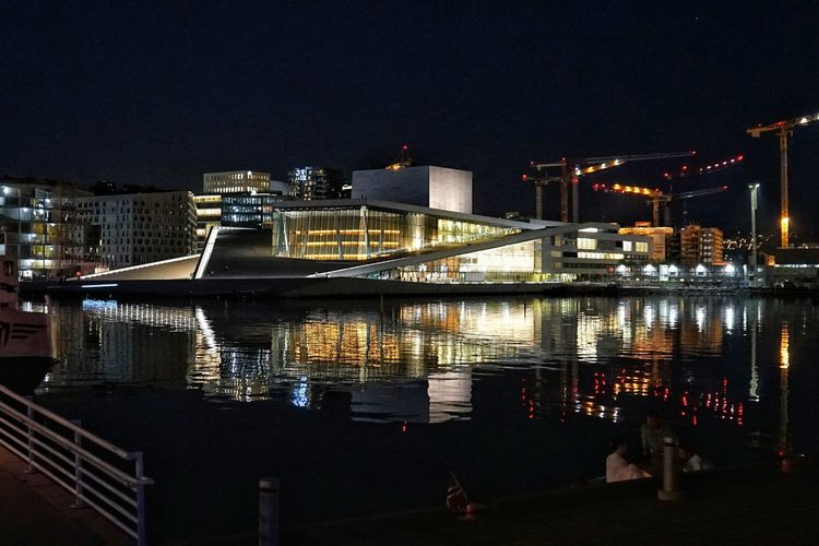Oslo Opernhaus bei Nacht #Oslo #oslooperahouse #oper #opera House #norwegen #norway #Night #nightshot #nightphotography #longexposure #langzeitbelichtung #sony #sonyalpha #sonyimages #sony A7ii City Cityscape Illuminated Urban Skyline Water Skyscraper Business Finance And Industry City Life Sky Architecture