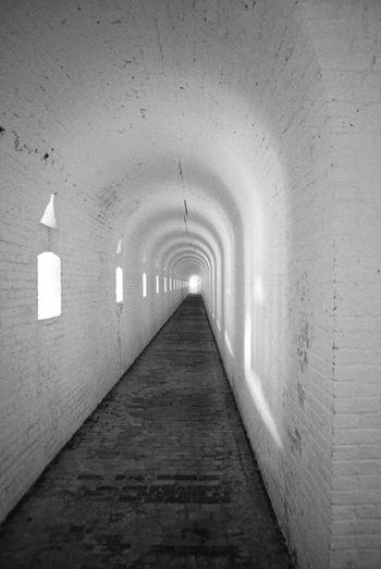 Arch Architecture Corridor Diminishing Perspective Long Narrow Vanishing Point Walkway