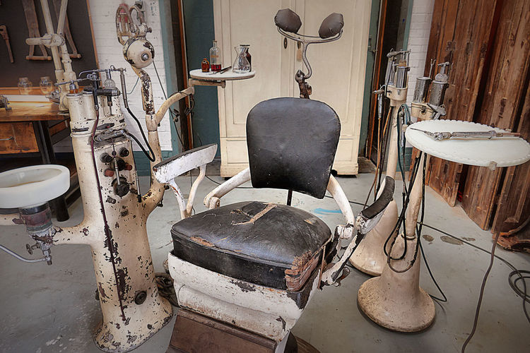 Welcome to the dentist! Antique Chair Dental Care Dentist Dentist Tools Dentistry Fear Indoors  No People Rusty Seat Teeth Treatment EyEmNewHere Break The Mold
