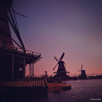 Lovely #dutch #windmills in #zaanse_schans ☀? #ic_cities #igholland #worldwidephotowalk #igersholland #insta_holland #mokummagazine #gf_daily #gang_family #gramoftheday #holland #piclab #countryside #worldwidephotowalk #sunset Gramoftheday Worldwidephotowalk Sunset Mokummagazine Holland Insta_holland Zaanse_schans Countryside Igholland Windmills Gang_family Gf_daily Dutch Igersholland Piclab Dotz Ic_cities