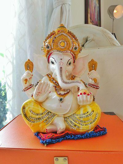 Lord Ganesh idol. Indoors  Ornate Yellow Gold Hobbies Creativity Green Color Golden Ganesh Ganesha Ganesha Chaturthi India Lord Ganesha Lord God Beliefs Rituals & Cultural Culture Art Creative