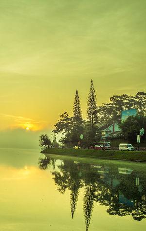 One morning in the Ho Xuan Huong Lake Da Lat City Hồ Xuân Hương Lake Paint The Town Yellow Vietnam