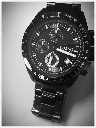 You can have all the money in the world. But you can't have all the time in the world. Spend it wisely. timeClose-up No People Fossilwatch Watch TimeIsGold KeepItPrivateNotSecret Fossil Watch Time To Reflect