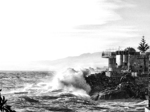 Waves Crashing Black And White Landscape_Collection Taking Photos