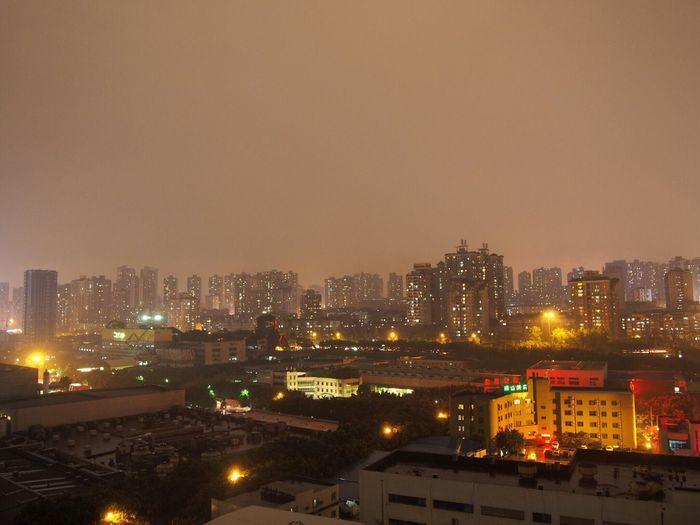 大雨过后的城市🌃,显得格外安静 Wd 夜景🌉 First Eyeem Photo
