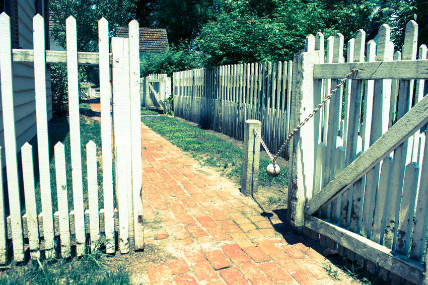 Colonial Colonial Style Colonial Williamsburg Colonial Williamsburg House Day Fence Fences Gate Gates Home No People Old Fence Old Gate Outdoors Yard