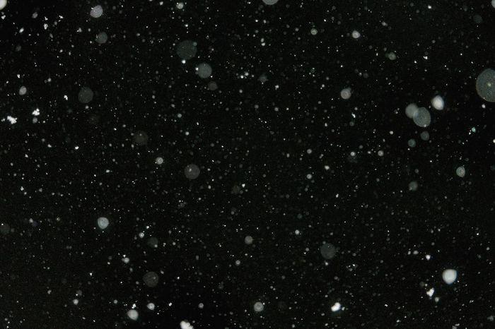 Wunderschöner Schneefall Bei Nacht. Welcome To Black Been There.