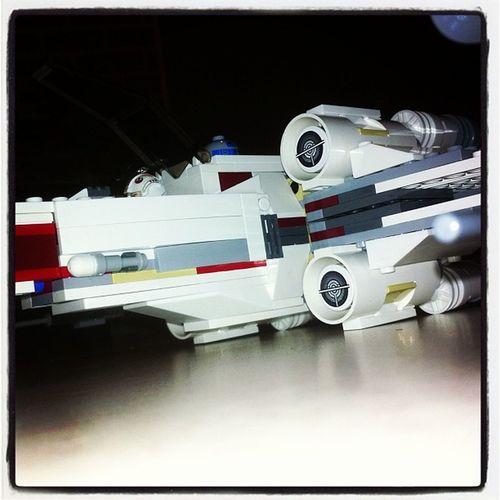 Après 1h de montage! LEGO Starwars Xwing Skywalker newhope