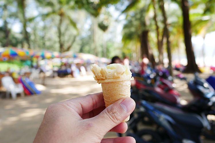 ice cream Human Hand Cone Hand Ice Cream Ice Cream Cone Human Body Part Sweet Food