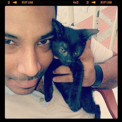 Cat.... eyes.... ♥♥♥♥♥