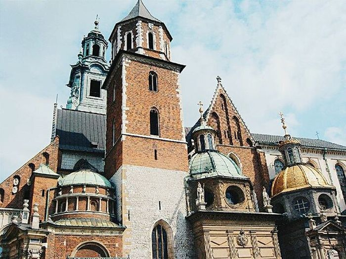Poland Architecture Built Structure Building Exterior Church Day City Outdoors History Traveling VSCO Traveltime House Old Vscogood Vscocam Old Town Vscogram Townhouse Architecture Historic Vscopl