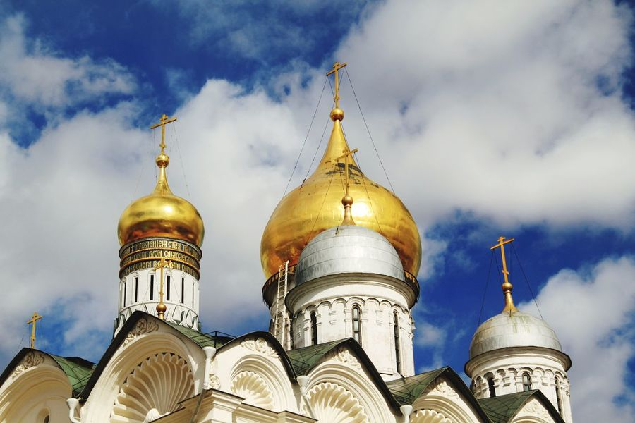 Religion Architecture Travel Destinations Dome Gold Colored Tourism Travel Gold Sky Outdoors No People Architecture Place Of Worship Built Structure Cloud - Sky Gold Politics And Government Cathedral Of The Archangel Kremlin Architecture Russia Russia Moscow, Russia Moscow Kremlin Kremlin Complex Cathedral