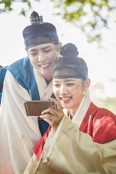 🐣🐣 Minhthichthiminhpostthoi Beautiful Love In The Moonlight 😍❤️✨ Moonlight Drawn By Clouds Kim Yoo Jung 김유정 Park Bo Gum 박보검 很可爱 很帅 사랑해 Piaoliang Cute
